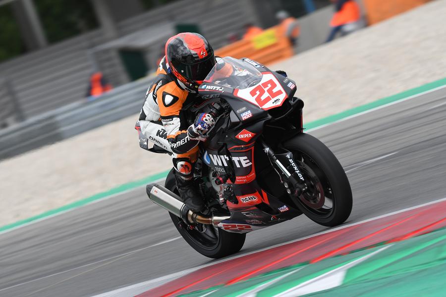 Yamaha R1 RN32 circuit motor racer